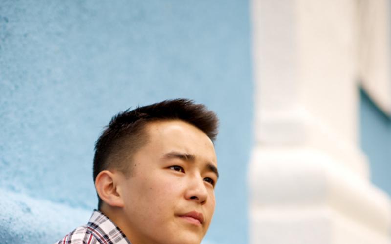 Um jovem que se prepara para ser missionário mórmon