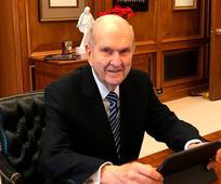 Президент Ръсел М. Нелсън