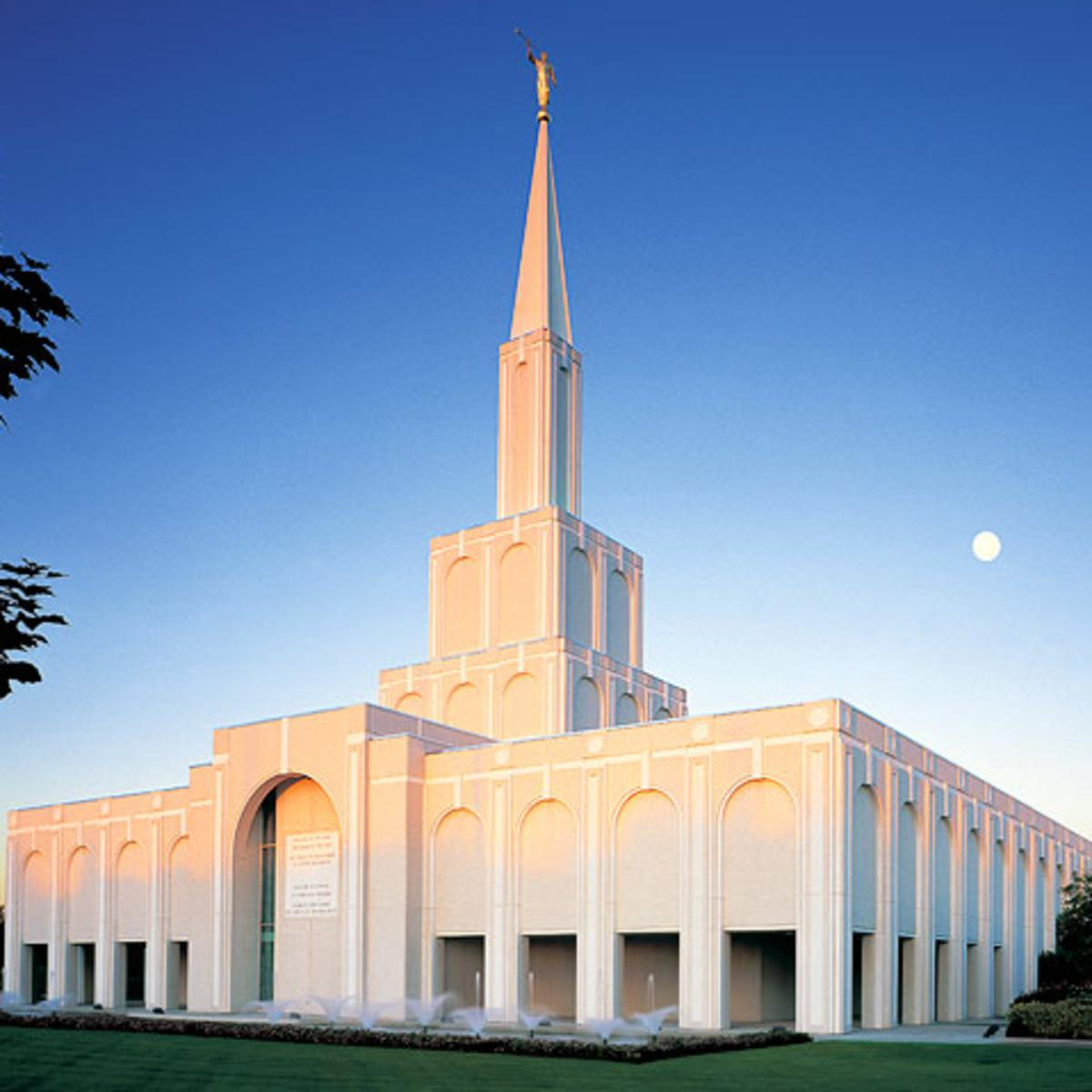 Image of the Toronto Ontario Mormon Temple