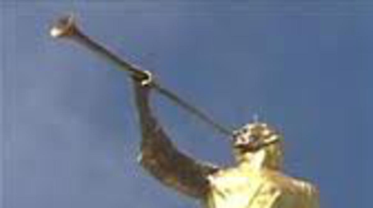 Statue of the Angel Moroni on the Temple