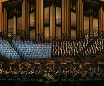 Le Tabernacle Choir and Orchestra à Temple Square se produit lors du concert de la Journée des pionniers au Conference Center de Salt Lake City le vendredi 19 juillet 20199
