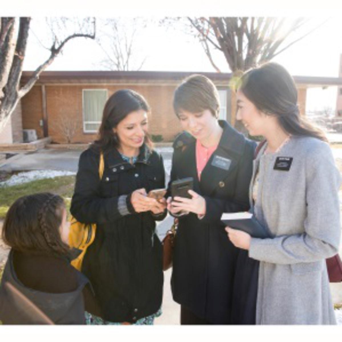Sister missionaries
