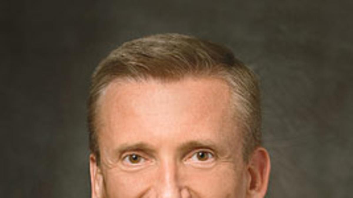 Élder Kevin R. Duncan