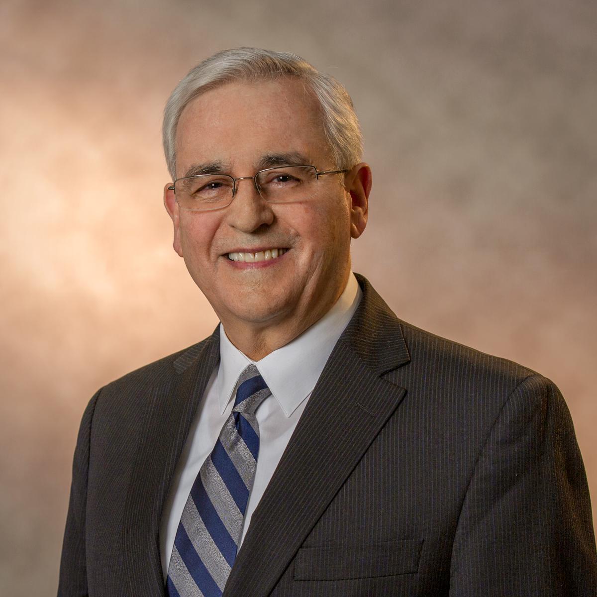 J. Roberto Hernandez, Ηνωμένες Πολιτείες Αμερικής