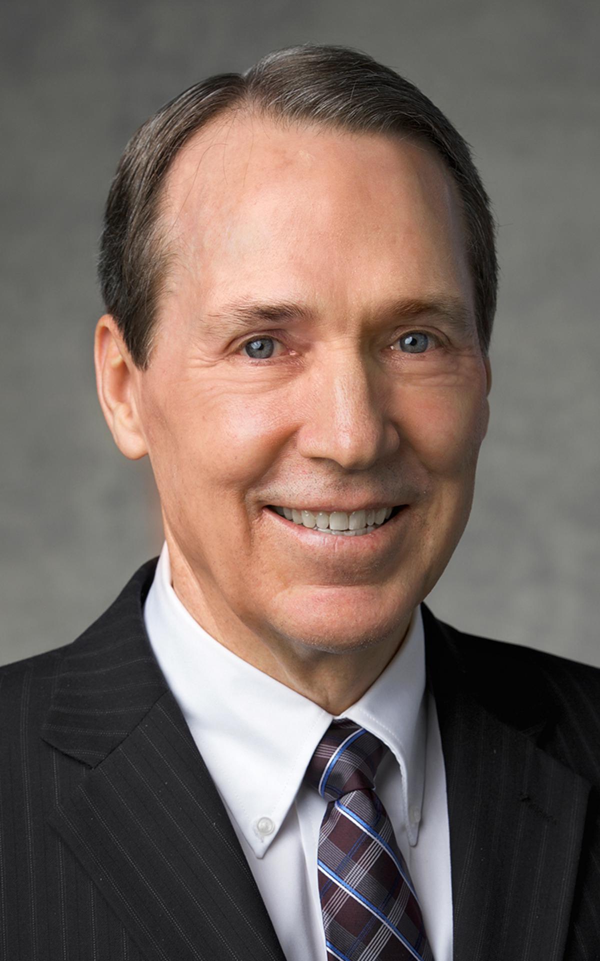 starješina Gary B. Sabin