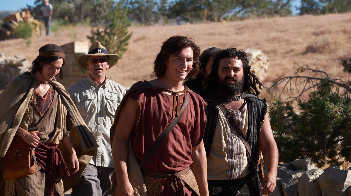 Xhekson Vanderverken debuton në rolin e birit të Lehit, Nefit, një figurë e shquar në Librin e Mormonit.