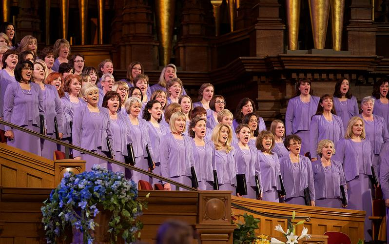 singers in the Tabernacle Choir