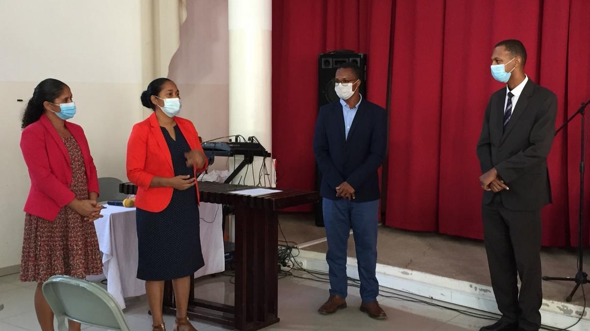 Záverečný ceremoniál pri príležitosti spoločného úsilia pomoci.