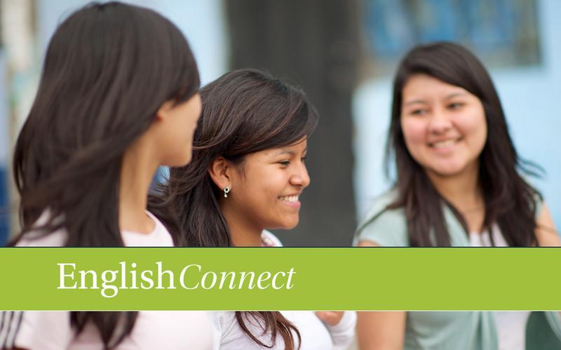 dos misioneras enseñando clases de inglés