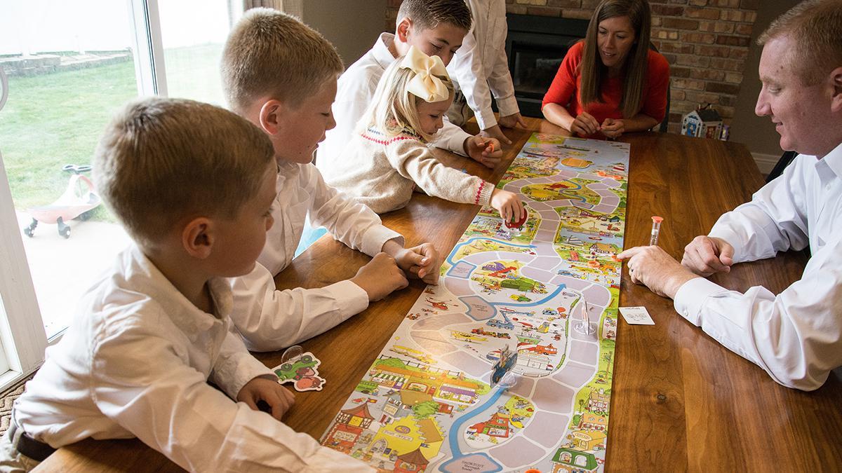 Pewnego niedzielnego popołudnia nasze dzieci poprosiły nas, byśmy pograli wich ulubioną grę planszową.