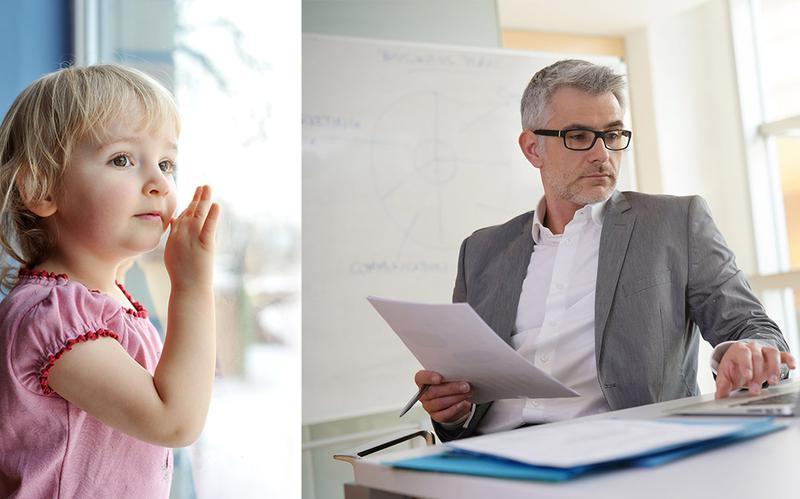 Niño esperando y padre en el trabajo