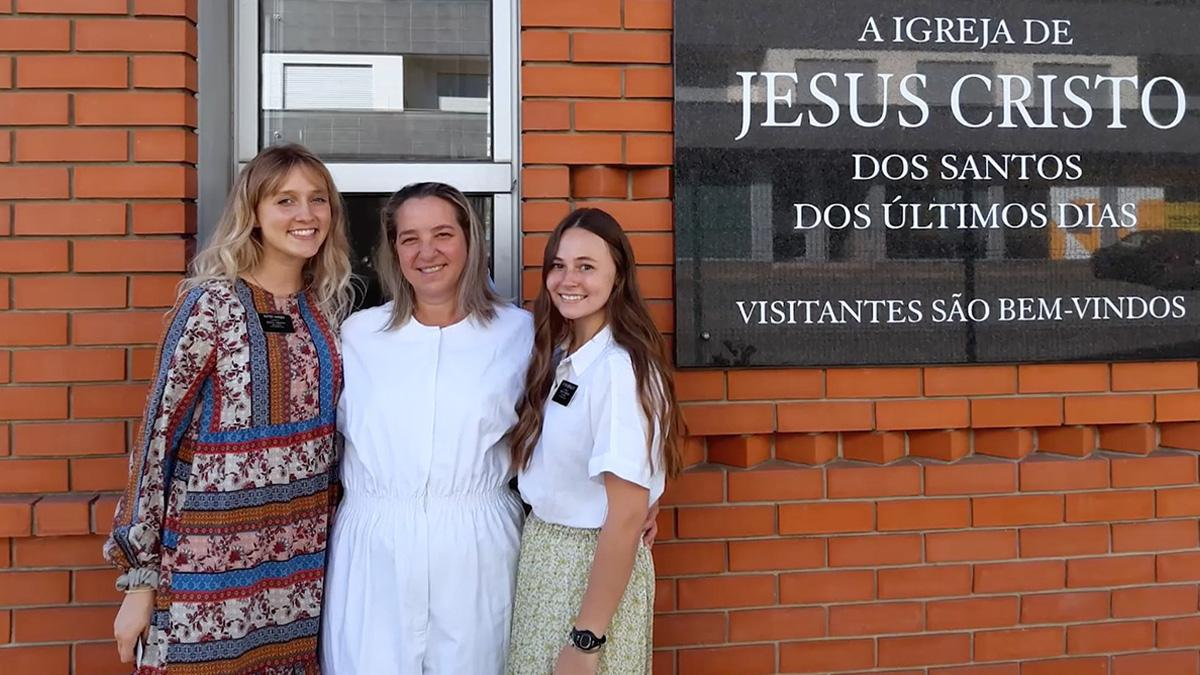 2 sister missionaries and a candidate for baptism