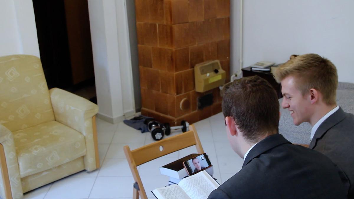 2 Elders teaching online