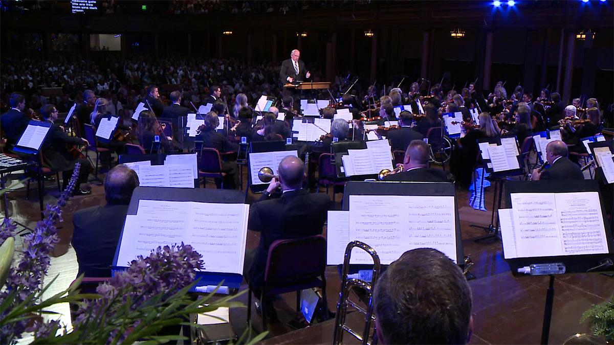 The Tabernacle Choir a Orchestra at Temple Square