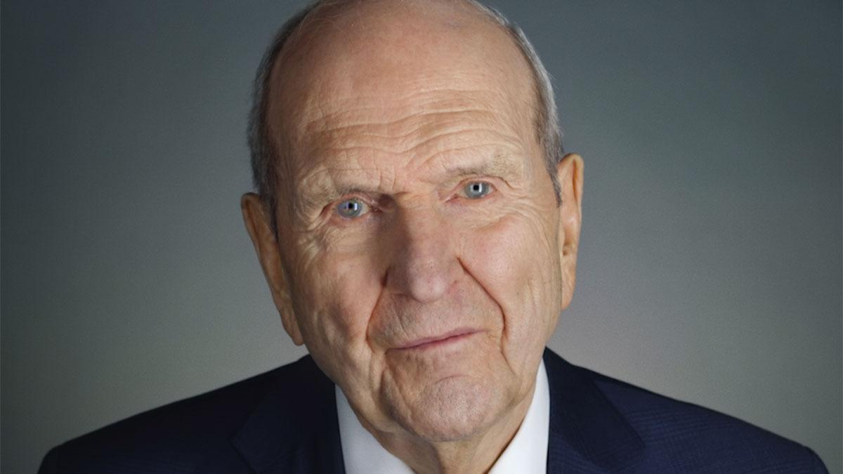 Russell M. Nelson forseti