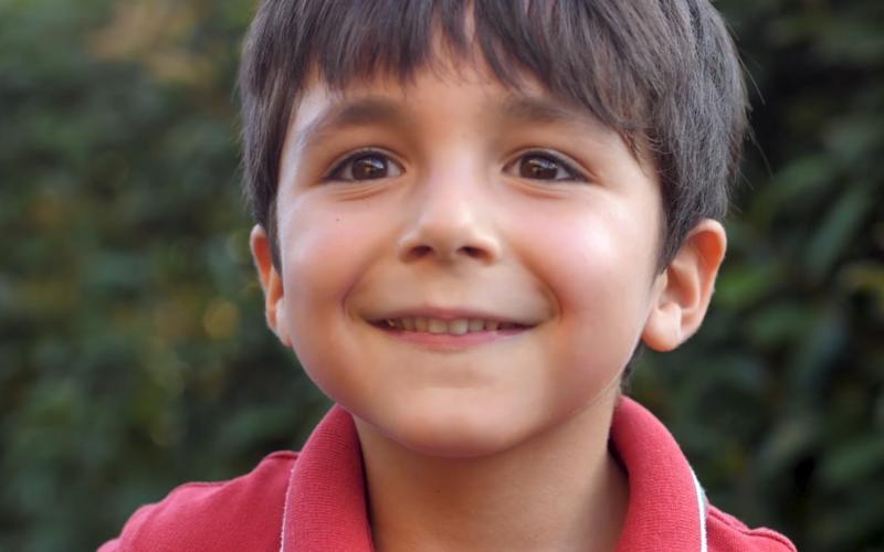 et barns glade ansikt