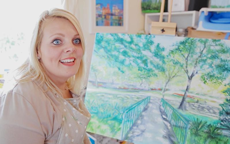 Raquel pinta um quadro