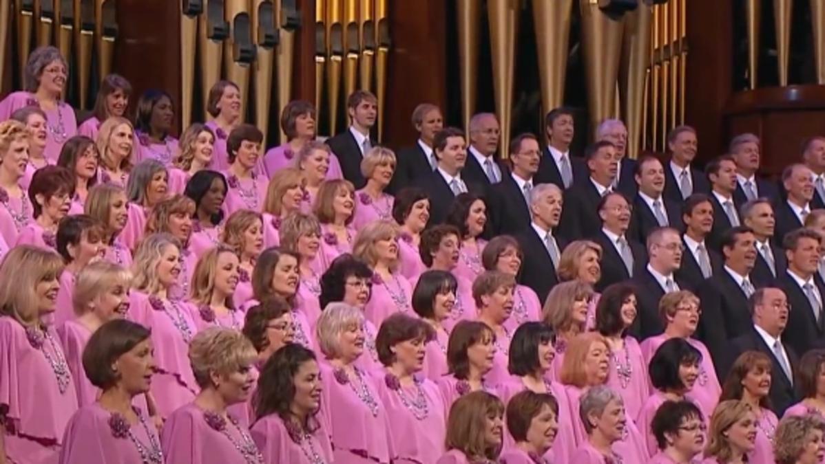 der Mormon Tabernacle Chor singt im Konferenzzentrum in Salt Lake City