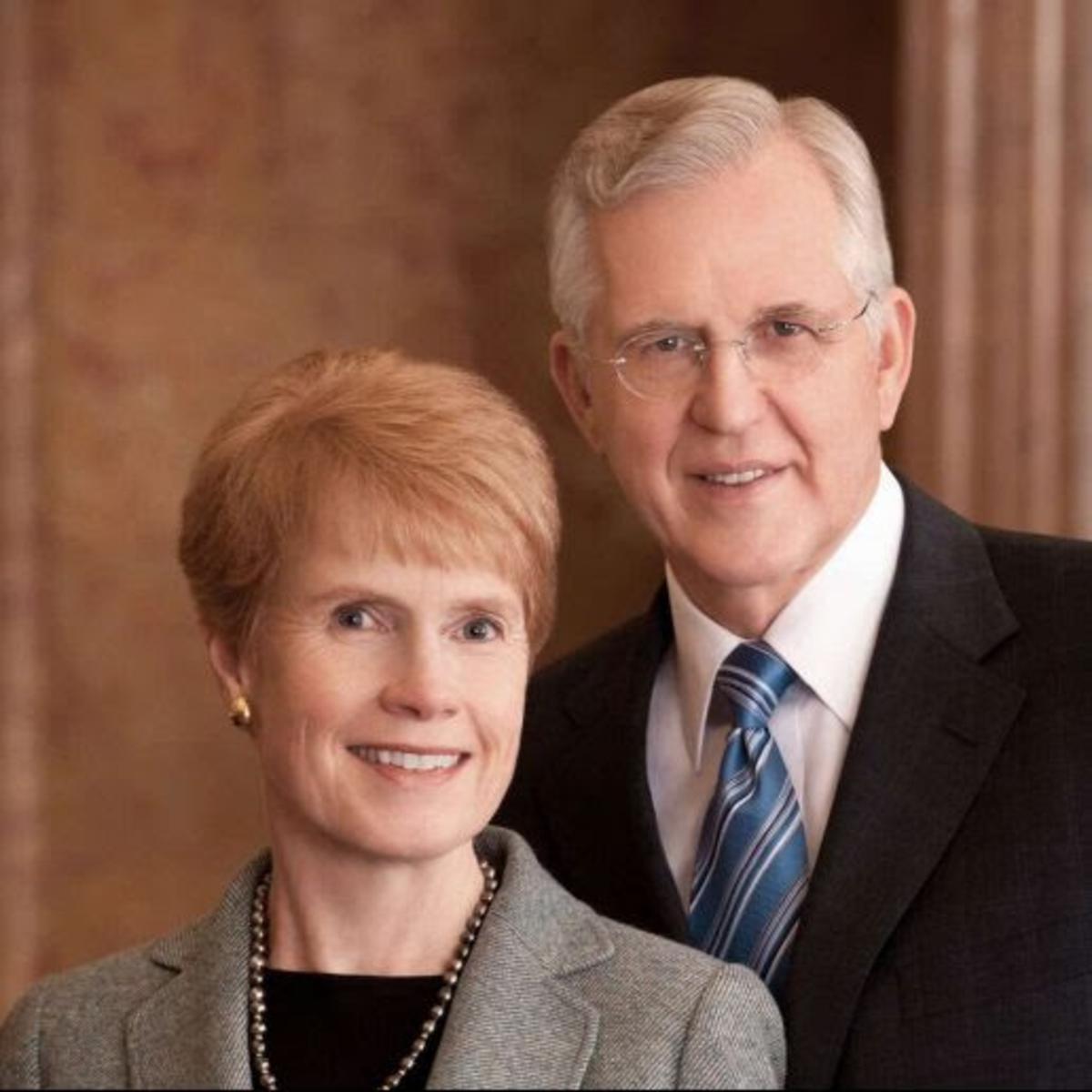 Elder D. Todd Christofferson und seine Frau Katherine