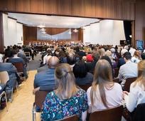 Wir können und wieder versammeln - Pfahlkonferenz in 1020 Wien, Böcklinstraße 55