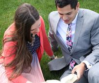 Nach Auffassung der Mormonen entsteht mit der Eheschließung von Mann und Frau eine neue Familie. Die familiären Beziehungen werden inniger, wenn jeder in der Familie sein Herz Jesus Christus zuwendet.