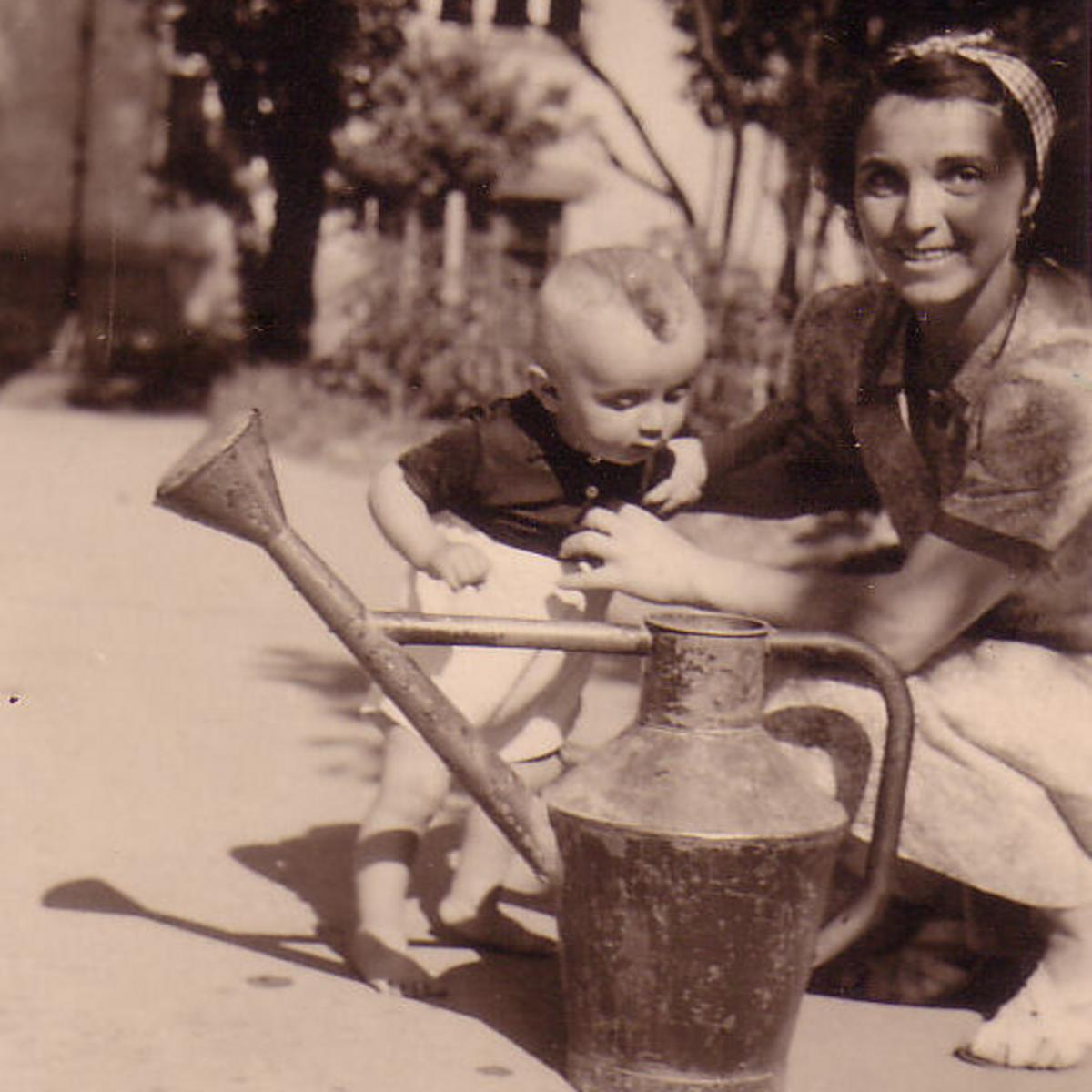 Die erste Ersatzmutter, die sich liebevoll und opferbereit um den kleinen Peter kümmerte.