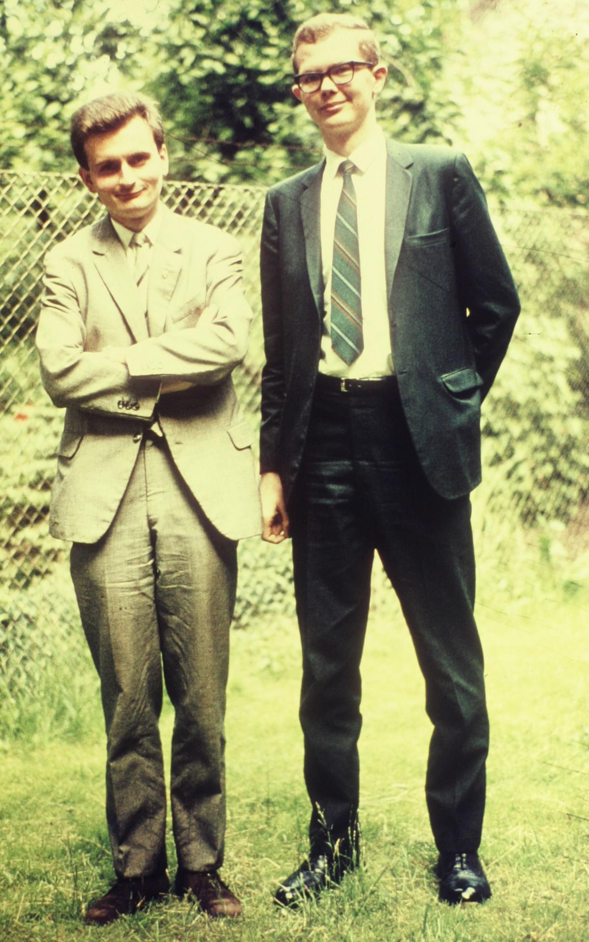 Elder Mayrl (links) mit einem seiner Mitarbeiter Elder Beer auf Mission in Berlin.