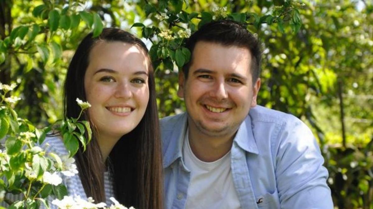 Benjamin Mielacher mit seiner Verlobten Selina, die Hochzeit soll im September 2021 stattfinden.