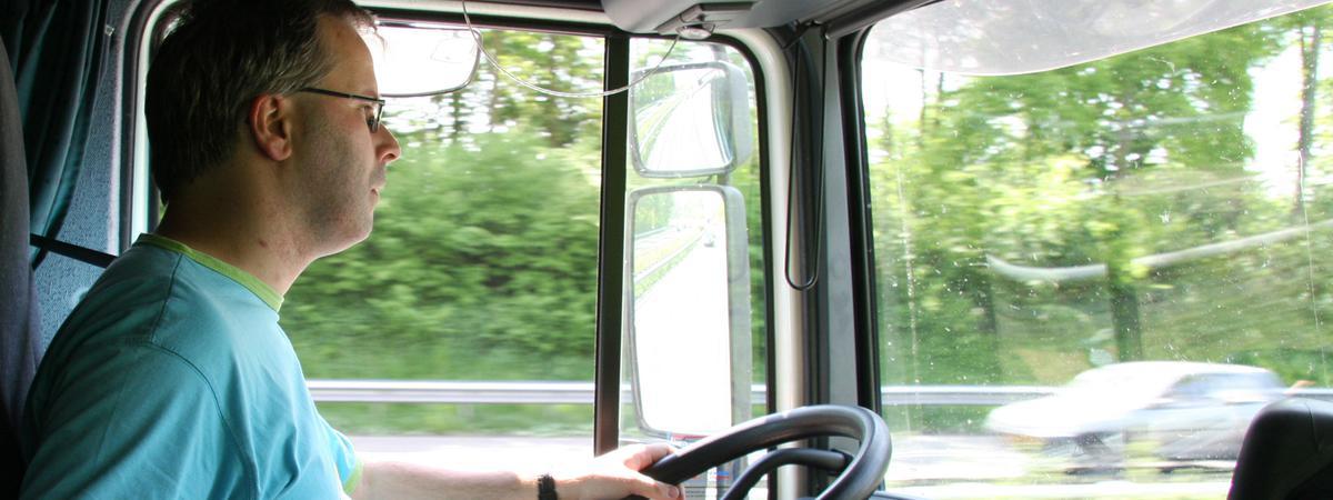 Wer beruflich viel mit dem Auto unterwegs ist, hat die Möglichkeit, öfter Ansprachen der Generalkonferenz anzuhören.