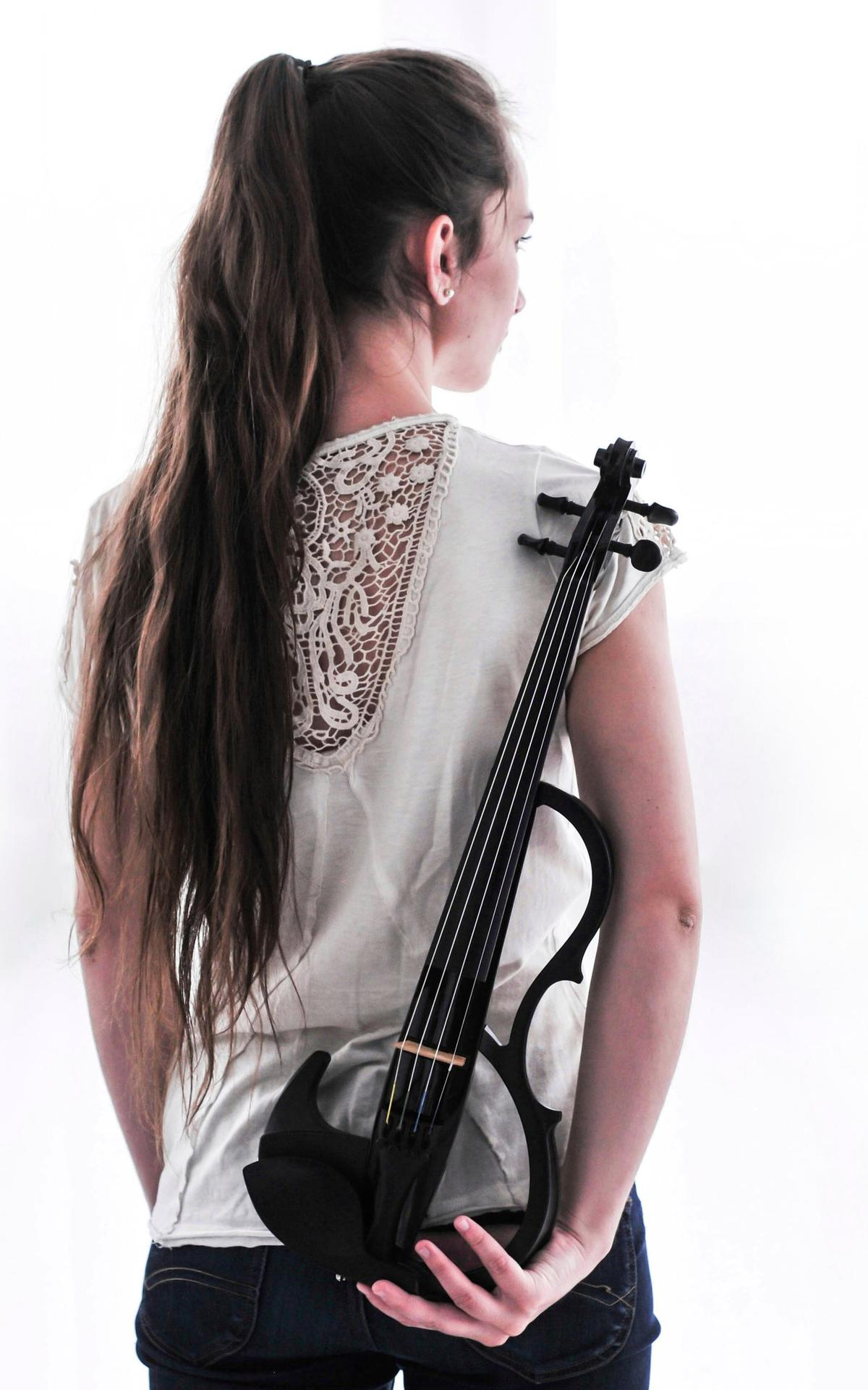 Die junge Musikerin aus Salzburg hofft, von der Musik eines Tages leben zu können.