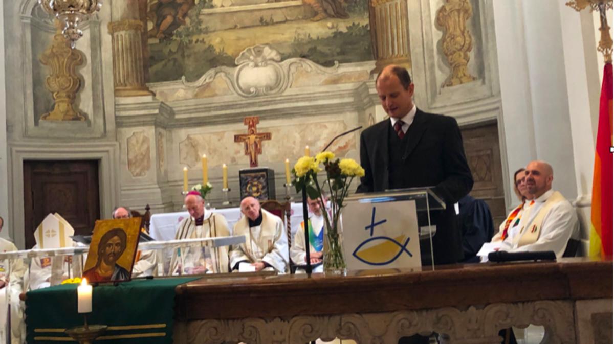 André Merl fühlt sich geehrt, anlässlich der 100-Jahr-Feier der Altkatholiken Gruß- und Segensworte zu entrichten.