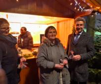 Lieder, Kekse und Einladungen am traditionellen Welser Adventmarkt