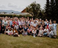 Gruppenbild teilnehmender Schwestern und Freundinnen