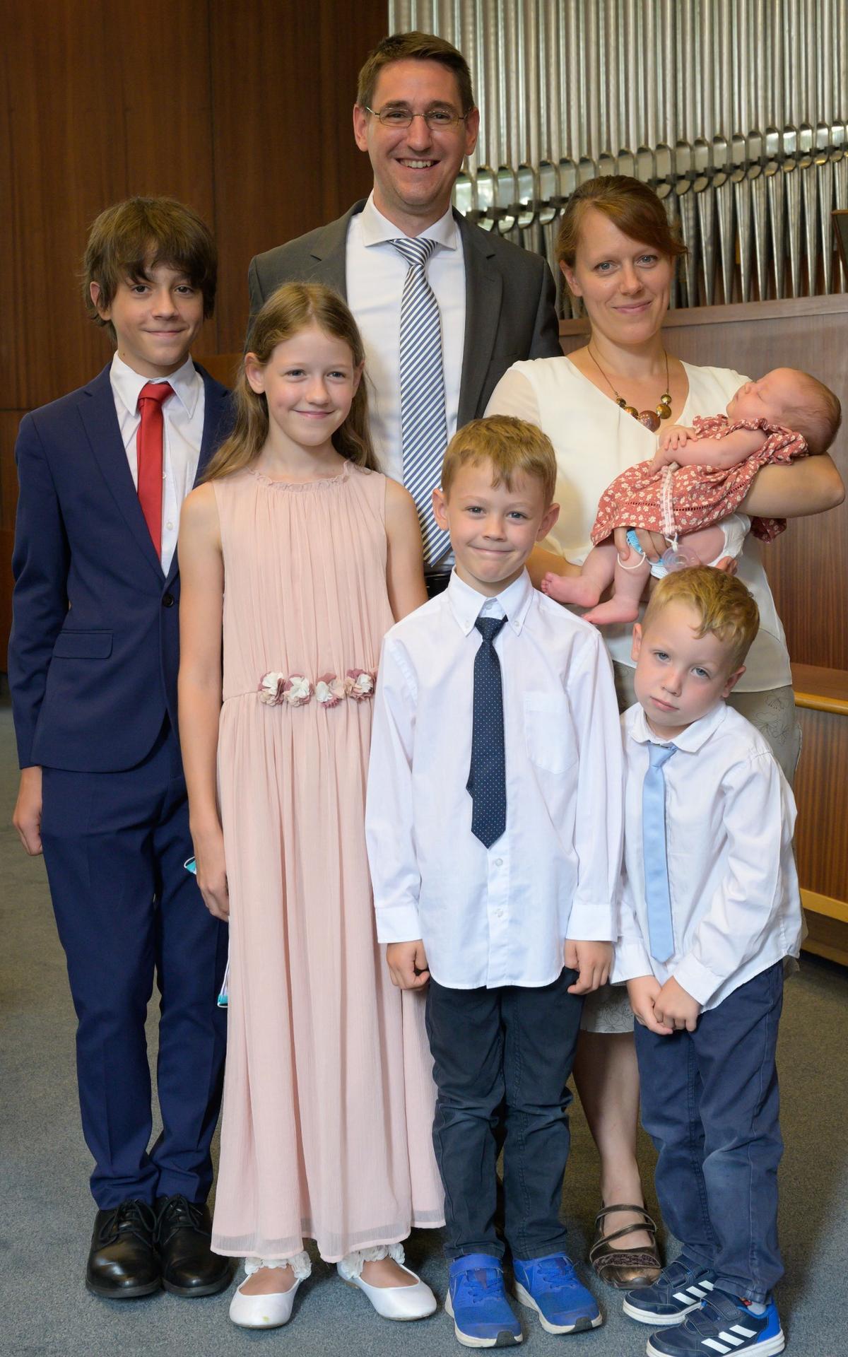 Der neu berufene Pfahlpräsident Simon Soucek mit seiner Frau Tamara und ihren 5 Kindern