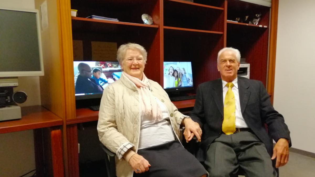 Bei Magdalena und Hans Pramstaller aus Sistrans/Tirol ist die Freude groß. In ihrem Leben haben sie für sich, Freunde und Bekannte abertausende Namen und Daten von Verstorbenen zusammengetragen und in Stammbäumen abgebildet.