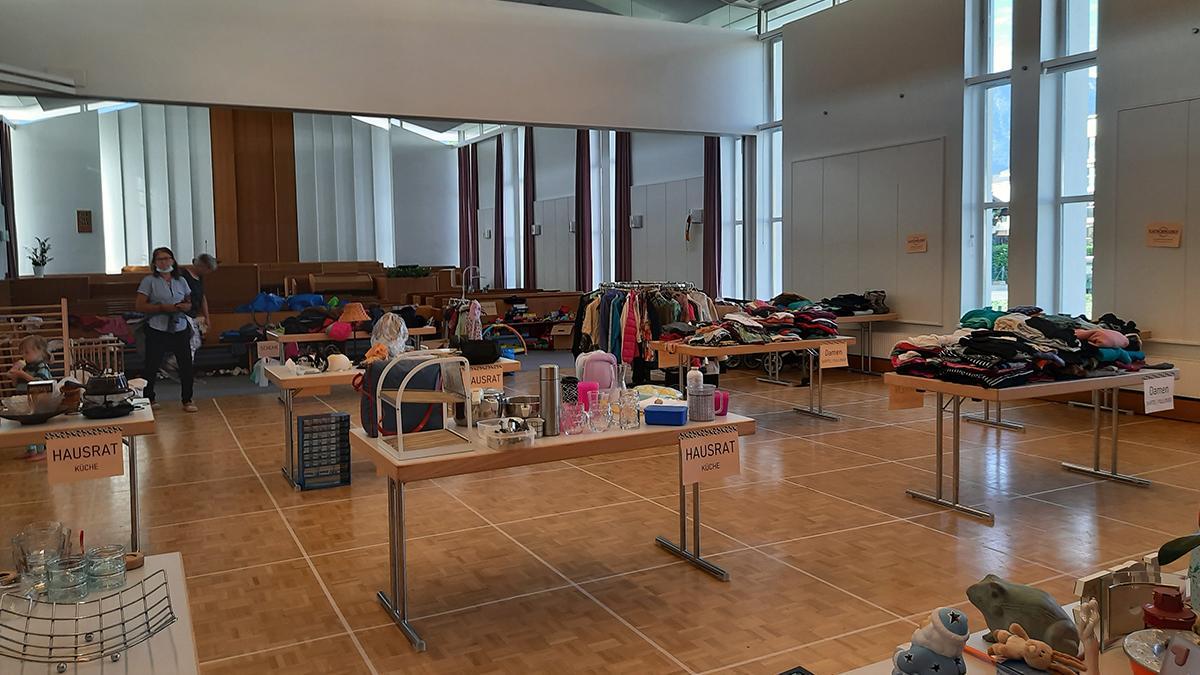 Innsbrucker Gemeindehaus, Kultursaal während des Tauschmarktes