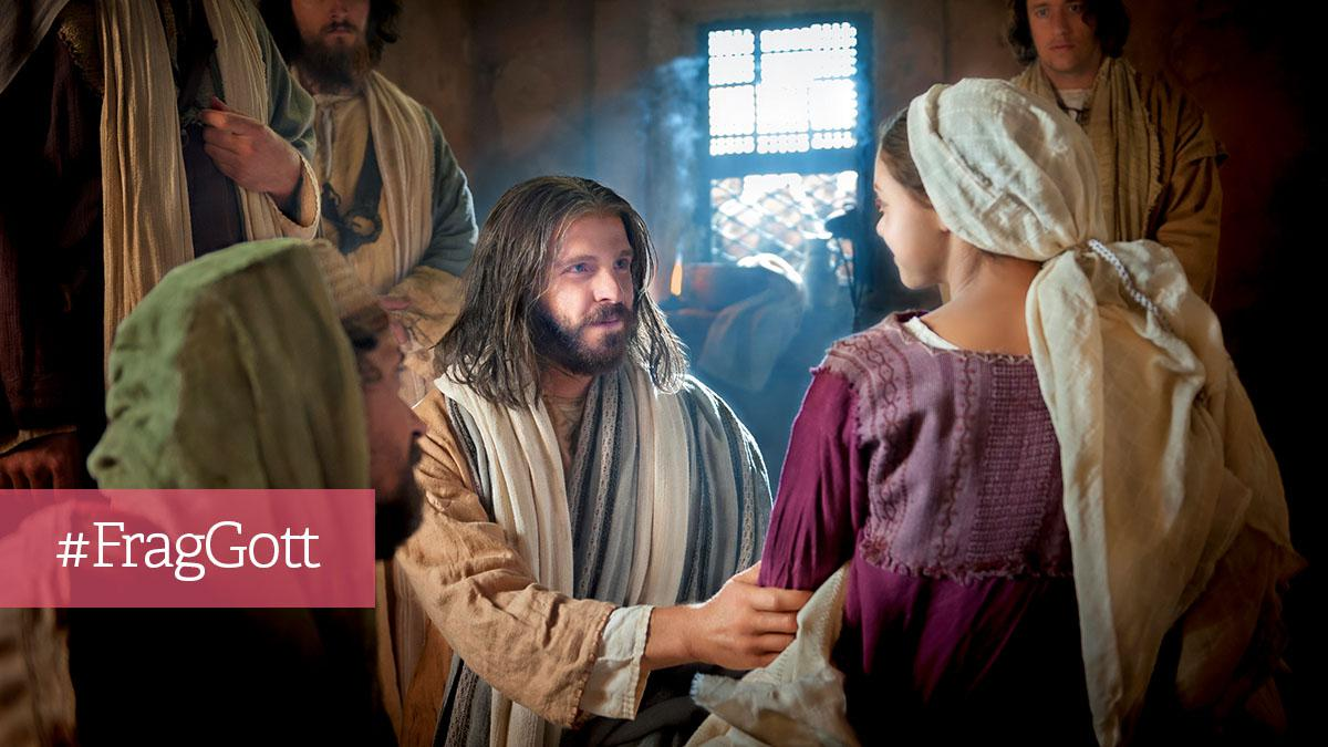 Jesus erweckt ein Mädchen von den Toten.