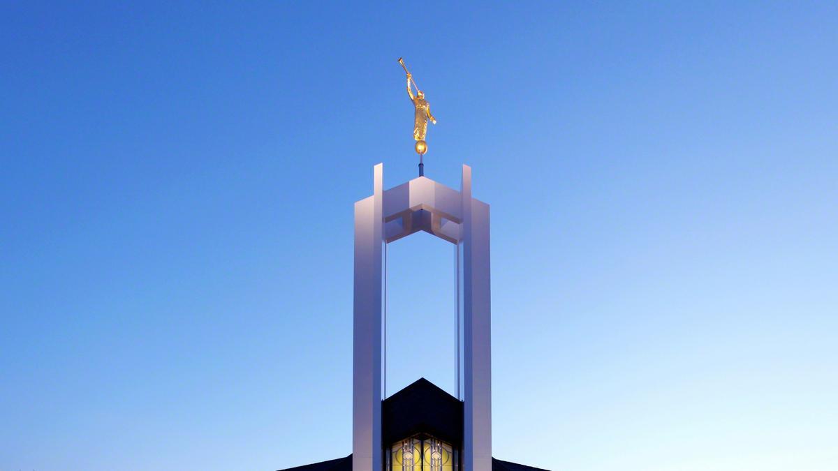 Председник Монсон најавио је четири нова храма