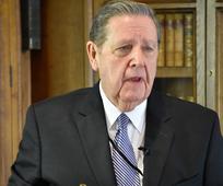 Starješina Jeffrey R. Holland