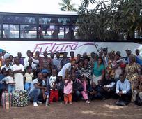 10 misijonarjev, 7 Afriških držav, 6 Afriških misijonov - Starešina in Sestra Schlehuber