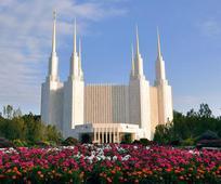 Cerkev dokončala svoj stoti tempelj