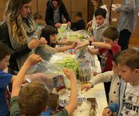 BRUSELJ - Bruseljski mormoni sodelujejo z Vojsko odrešitve, da bi pomagali beguncem