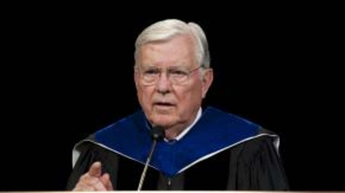 Starješina M. Russell Ballard: Uključivanje bez osjećaja da morate biti na oprezu