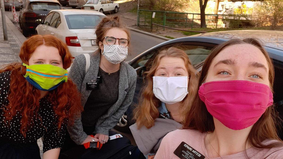 Sestry Misionářky z Mladé Boleslavi přicestovaly za sestrami do Prahy, aby spolu během pandemie bydlely, zůstaly v kontaktu s dalšími a necítily se osaměle. Práce online pokračuje dál.
