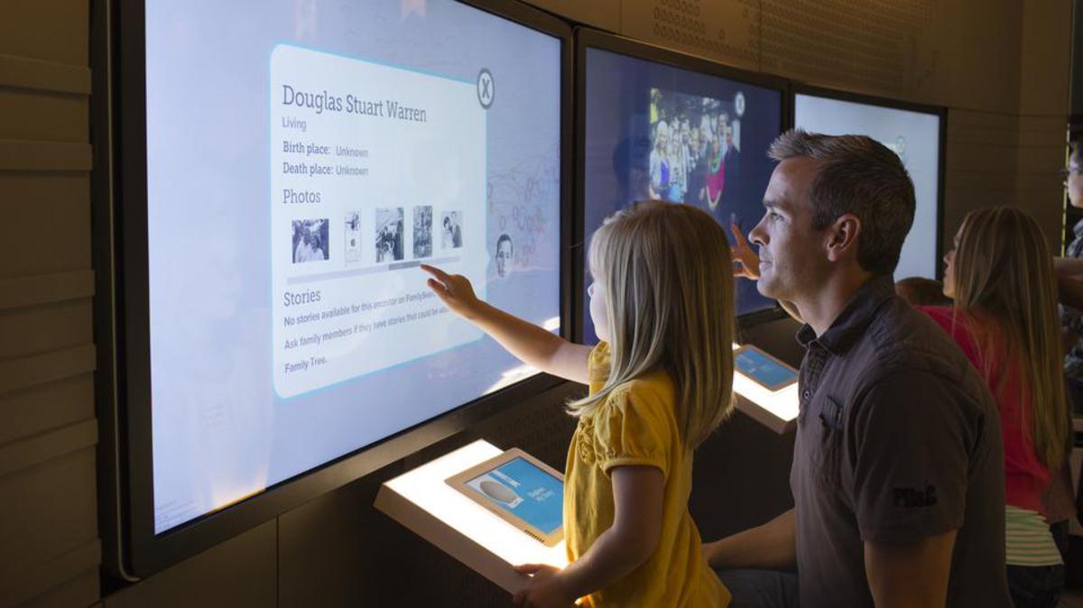 Církev otevírá první interaktivní Středisko pro objevování rodinné historie v Salt Lake City