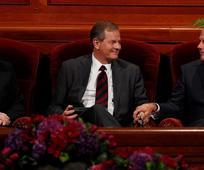 Traja novy apostolovia
