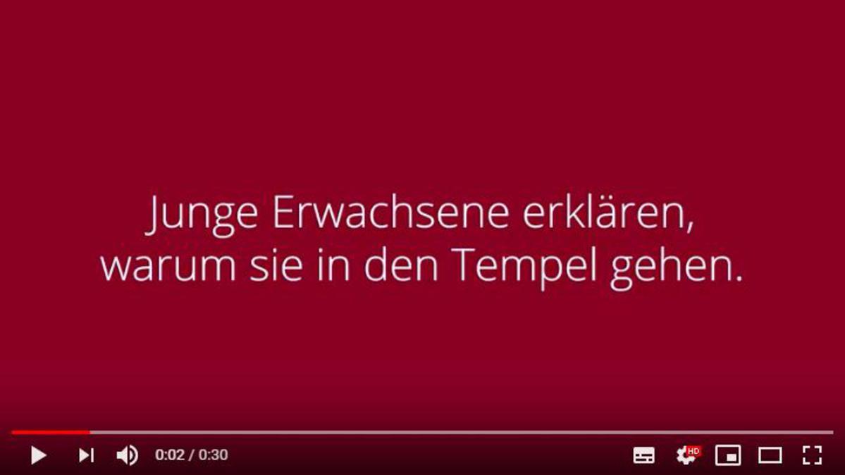 Junge Erwachsene reden über den Tempel