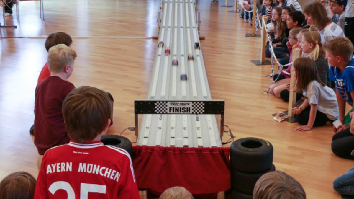 Pinewood-Derby in Bonstetten (Schweiz)