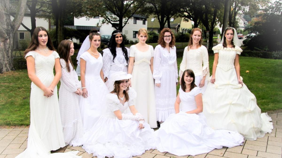 Ein Brautkleid aus Fallschirmseide