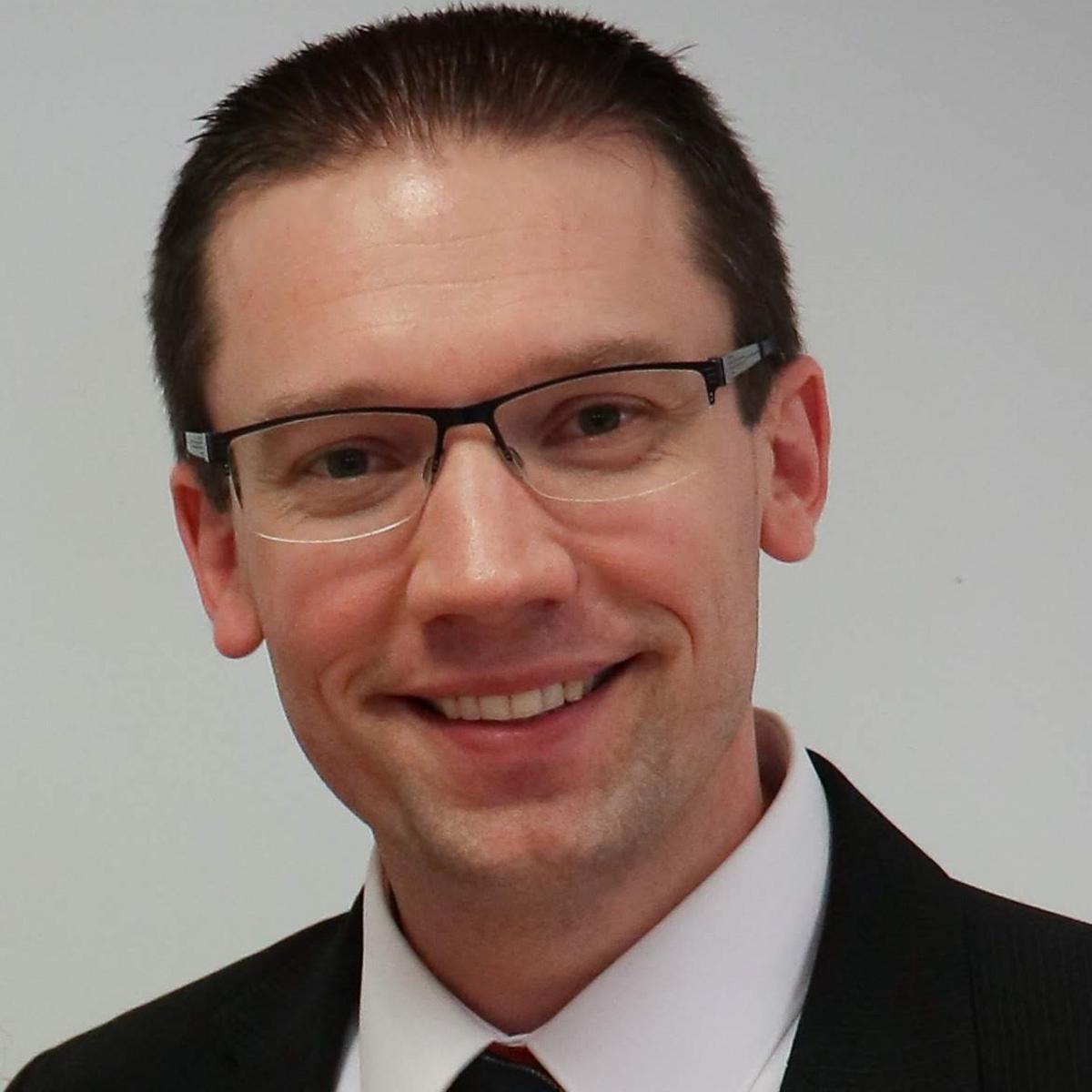 Southwick Christopher Neal, a Magyarország, Budapest Cövek Elnöke